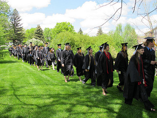 graduates_outdoors